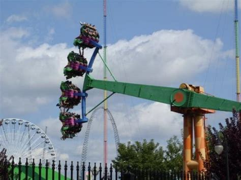 theme park quebec la ronde amusement park montreal all you need to know
