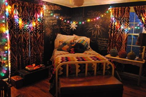 bedrooms with christmas lights bed bedroom christmas lights colours hipster image 339698 on favim com