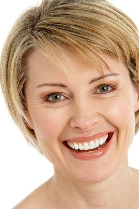 best haircuts for aging face 17 best ideas about middle aged women on pinterest meryl