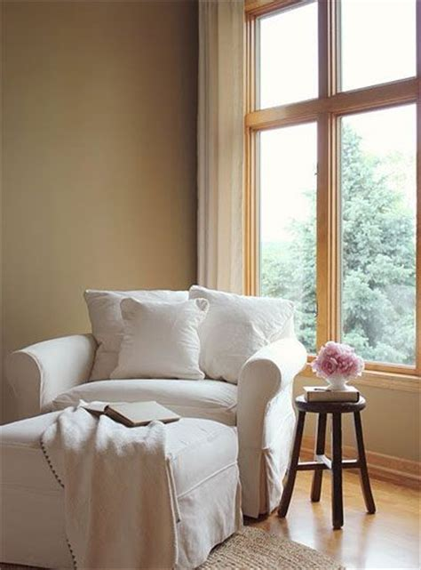 cozy chairs for living room 17 best ideas about comfy reading chair on pinterest