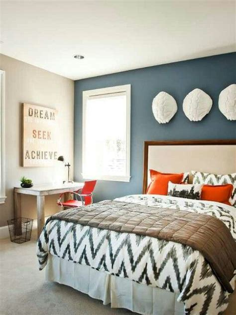 Guest Bedroom Ideas To Be Different 20 Unforgettable Accent Walls Design Guest Rooms And Wall Colors