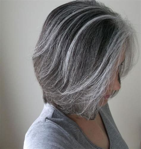 how to grow in gray hair with highlights blended grays highlights pinterest grey salts and