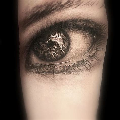 ink in the eyeball tattooing 71 best ojo images on drawing drawing