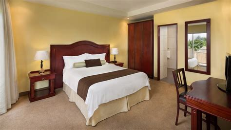 classic bedroom suite hotel des mille collines best hotel suites in kigali luxurious suites in kigali