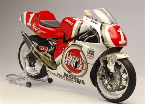 Suzuki Rgv500 Racing Scale Models Suzuki Rgv 500 γ K Schwantz 1994 By