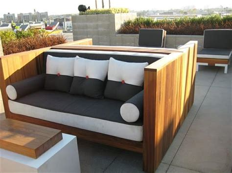 Diy Garden Sofa by 15 Diy Outdoor Pallet Sofa Ideas Diy And Crafts