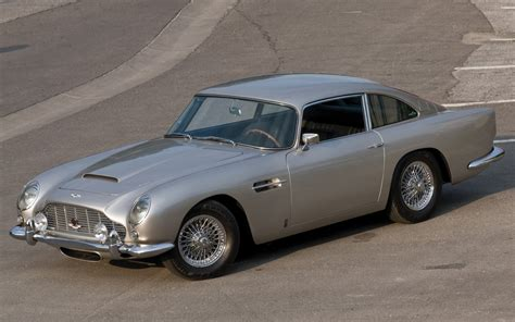 vintage aston martin db5 35 wondrous aston martin db5 wallpapers technosamrat
