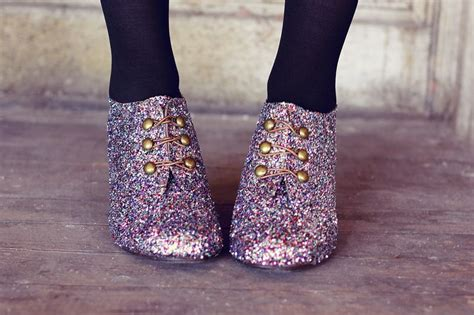 diy sparkly shoes all that glitters 15 fabulous diy shoe makeovers