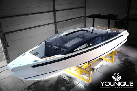 yalla boats yalla tender the 9m limo tender by younique yachts