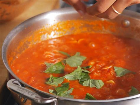basic pasta sauces to know food network fall weeknight how to make a basic tomato sauce food network food network