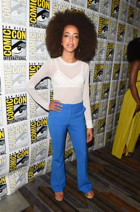 Get Hewitts Comic Con Sporty Chic Look by Comic Con 2017 The Riverdale Cast Showed Up With Their