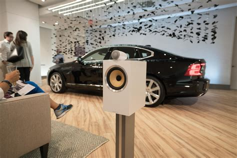 new pop up cers with bathrooms volvo opens new york city pop up store volvo car usa