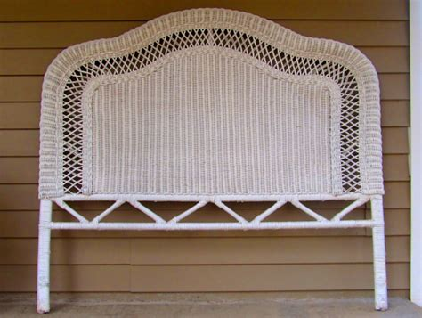 White Wicker Headboard Queen Size Victorian Design Shabby White Wicker Headboard