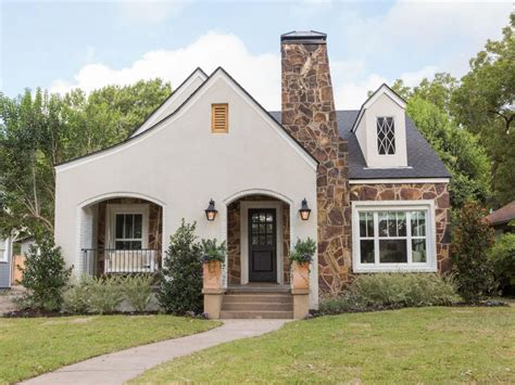 fixer upper house the flipper fixer upper hgtv s fixer upper with chip and