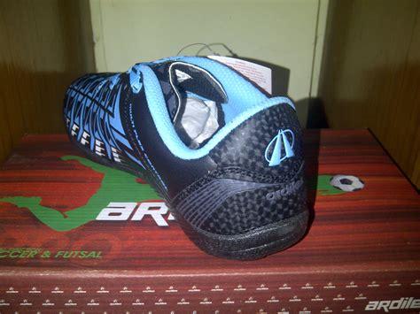 Lihat Sepatu Ardiles jual sepatu futsal ardiles cista fl black sky blue