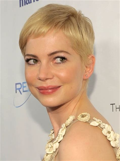get hollywood celebrity hairstyles at home celebrity hairstyles michelle williams short haircut 2015