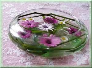 composition florale flottante