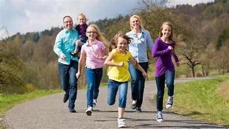 imagenes hijos felices los hijos peque 241 os disfrutar 225 n de los mismos derechos que