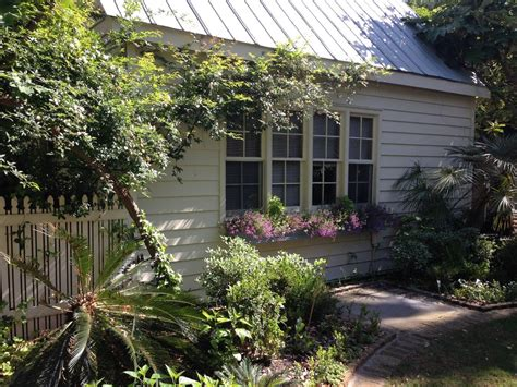 downtown charleston carriage house vrbo