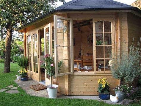 pavillon einrichten gartenpavillon sumatra aufbau und einrichtung im