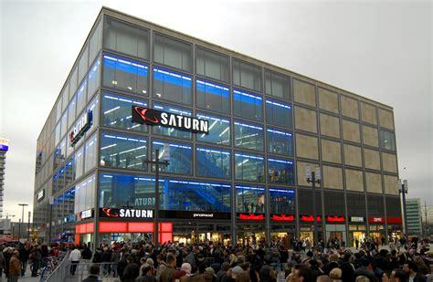 berlin mitte alexanderplatz power forum autogrammstunde mit the miz in