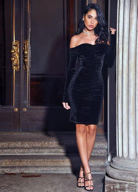 ashton  shoulder velvet long sleeve bodycon dress