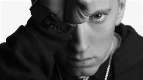 testo e traduzione beautiful eminem quot berzerk quot il nuovo singolo rapper eminem themusik