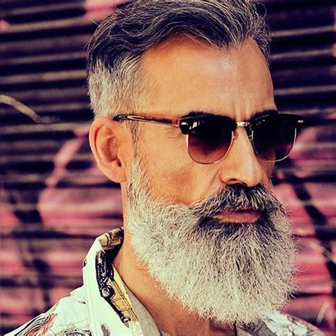 you can now decorate your hipster beard for christmas 132 best barba hipster hombre maduro images on pinterest