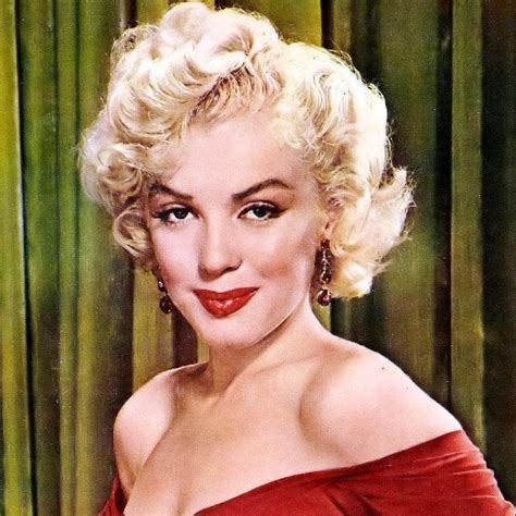 biography marilyn monroe marilyn monroe bio net worth height facts cause of death