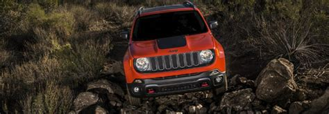 Jeep Renegade Ground Clearance 2017 Jeep Renegade Vs 2017 Jeep Wrangler Ground Clearance
