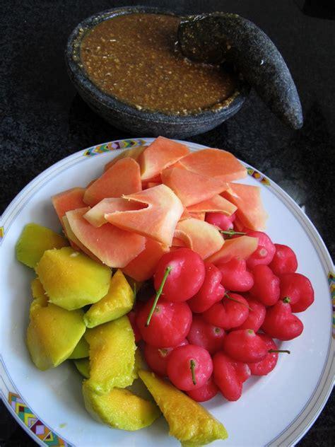 kreasi dapur iis sukendar rujak buah  asinan buah