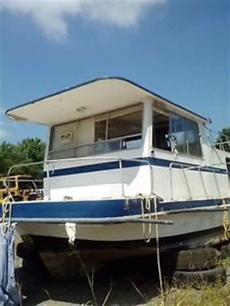 gibson houseboat floor plans gibson 32 ft houseboat needs some tender care but can be
