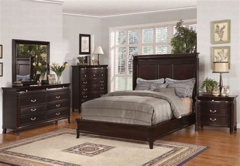 manhattan 6 piece king bedroom set cherry value city 6 piece manhattan ii bedroom set in deep rich espresso
