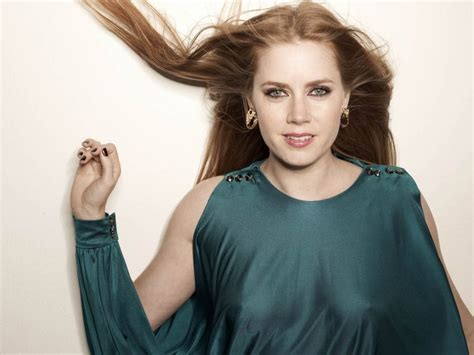 top 5 celebrities with best cleavage amy adams no bra and thin top celebrity cleavage in