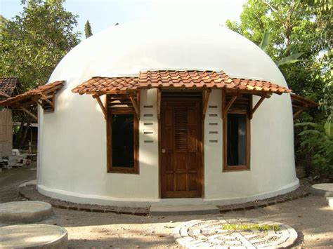 earthquake proof house design beautiful earth homes and monolithic dome house designs found around the world bahay ofw