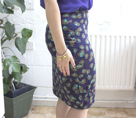 how to make a beautifully easy stretch pencil skirt