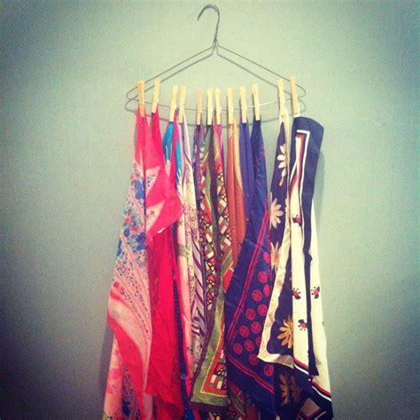 Gantungan Baju Kawat Warna biar jilbabmu nggak berantakan lagi coba deh 8 inspirasi