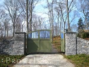 farm driveway entry gate ideas driveway gates set to