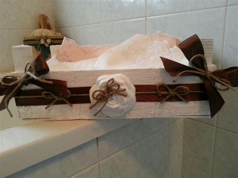 cassette di legno decorate cassetta di legno dipinta e decorata a mano con gessetto a