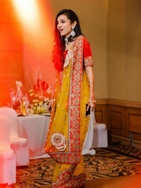 Simple Dresses For Mehndi Function