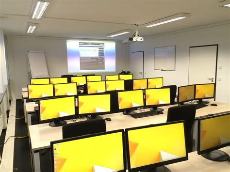 layout ruangan seminar gambar 30 desain meja komputer unik nyaman mendekorasinya