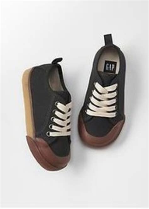 gap shoes gap canvas low top sneakers shoes shop it to me