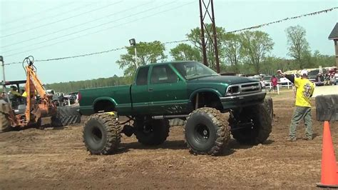 s10 mud truck big green s10 mud truck at dammp