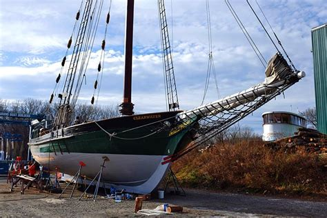 public boat launch kingston ny clearwater goes indiegogo to fund sail boom hudson