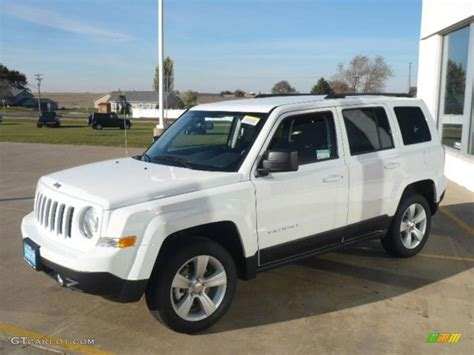 white jeep patriot bright white 2011 jeep patriot sport 4x4 exterior photo