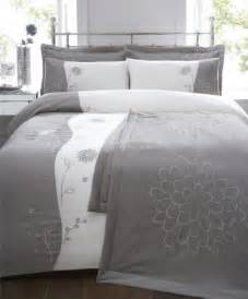 King Size Bed Throws And Bedspreads 6 King Size Bed Set Silver Grey Duvet Cover