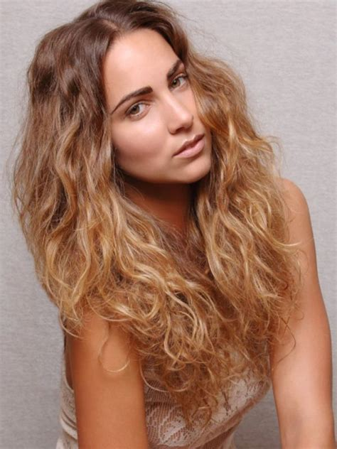 Hairstyles For Wavy Frizzy Hair by 50 Hairstyles For Frizzy Wavy Hair