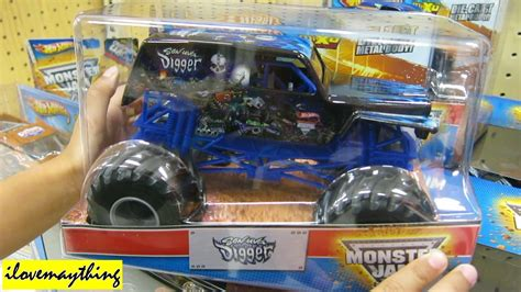 monster jam monster trucks toys unboxing son uva digger monster jam diecast toy truck