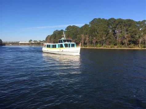 wilderness lodge boat disney s wilderness lodge boat dock transportation