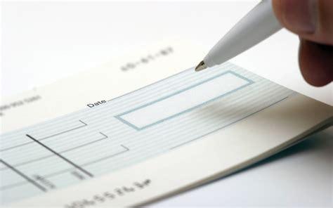 assegno di mantenimento e alimenti niente piu mantenimento all ex coniuge che ha una nuova